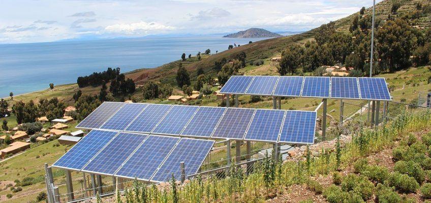 Placa Solar y Biomasa